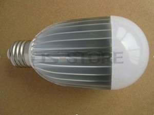 E27 7W 700LM Warm / White Light LED Ball Bulb Lamp AC85-265V